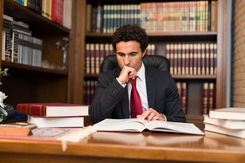Should you become a public defender or a private attorney?
