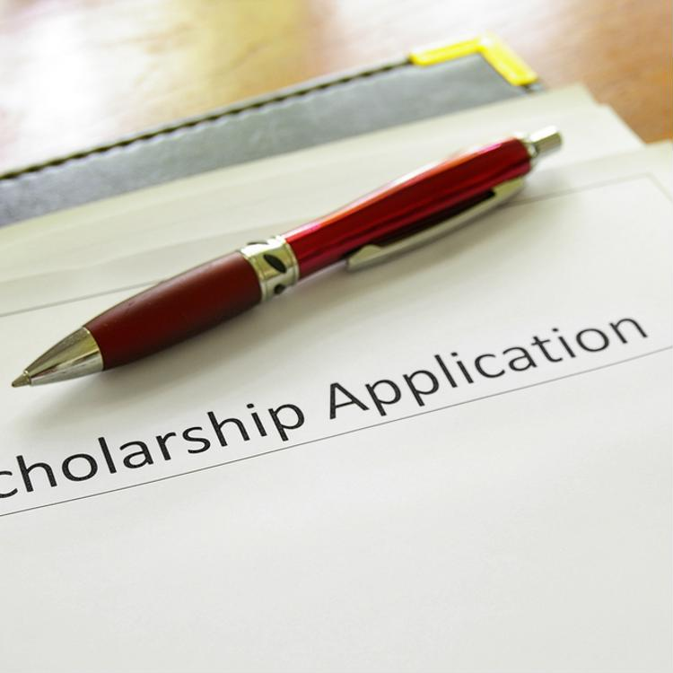 5 scholarship opportunities for graduate students